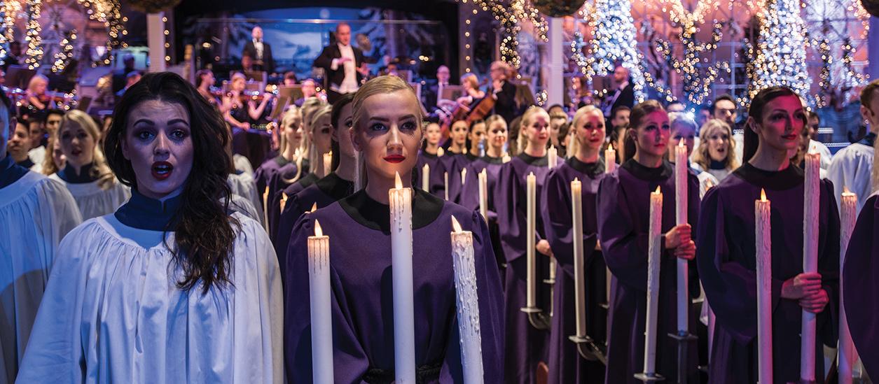 christmas spectacular thursford norfolk november december - The Christmas Choir Cast