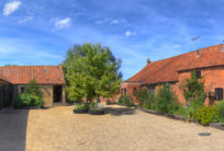 Roundabout Farm Holidays and B&B  (Courtyard Barn, Pear Tree Cottage and the Orangery Bed & Breakfast)